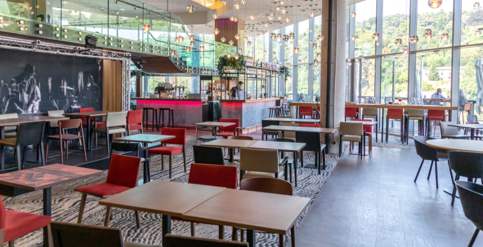 Gourmet Bar Confluence